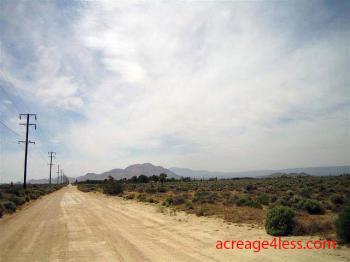 CALIFORNIA:  2.5 ACRES IN KERN COUNTY, CALIFORNIA - PROPERTY ID: #244-432-29 -  $3,500 / $450 DOWN